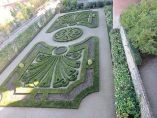 ロートレック美術館の庭園(resize).jpg